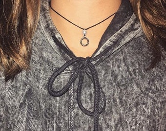 Cirlce Pearl Pendant Necklace