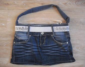 sac en jean bleu délavé entièrement doublé à porter à l 'épaule