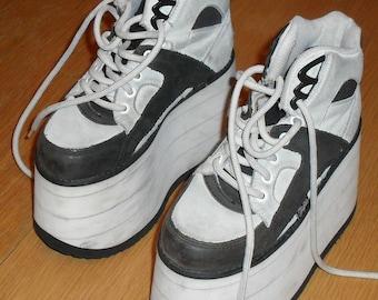 065c0433d Original Buffalo Boots 1997. Excellent condition. Size EU 36.
