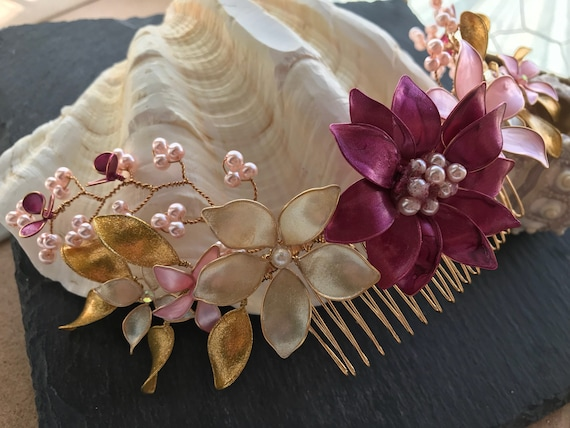 Semicrown of glazed flowers, with matching pearls
