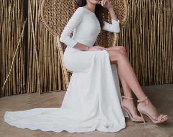 92aed68a34a Minimal wedding dress