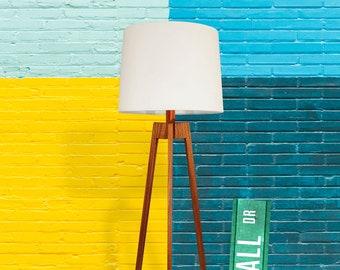 Floor Lamp, Mid-century Modern Tripod Lamp – Mahogany