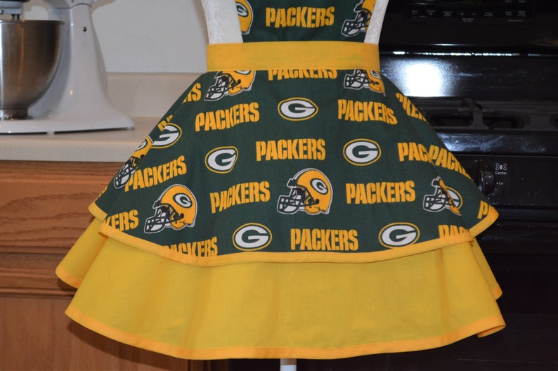 Perfect for Game Day Fun /& Flirty Hostess Gift Handmade Womens Green Bay Packers Full Apron Birthday Gift