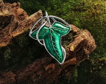 Elven Leaf Pendant Galadriel  Ivy Leaf  Lord of the Ring Fellowship of the Ring Elvish Jewelry Hobbit inspired pendant