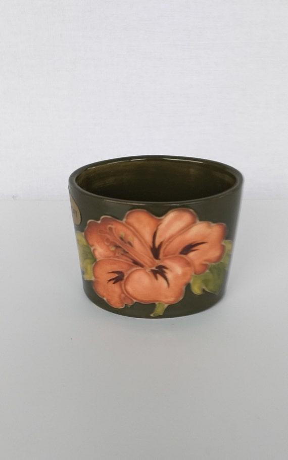 Dating Moorcroft keramikk