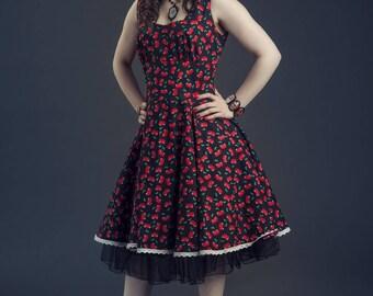 Robe rétro en coton noir imprimé de cerises rouges, robe a jupe évasée,  robe pin up, robe rétro noire a cerises rouges,robe en coton noir 0b0205d0a29