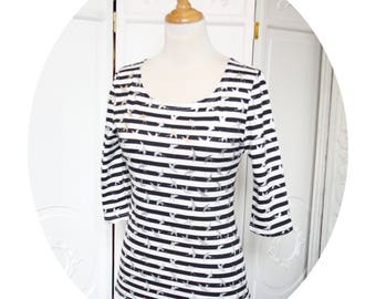 Top P' basic little black and white stripes, sleeves three quarter in cotton jersey, top black sailor top has scratches