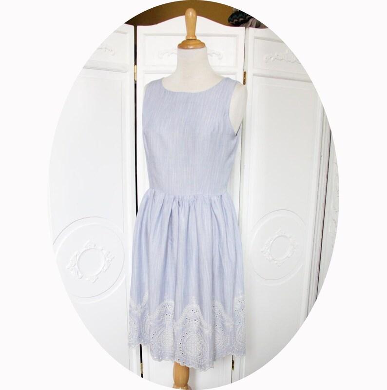 55e7a128360 Robe d été courte et sans manches à jupe froncée en tissu