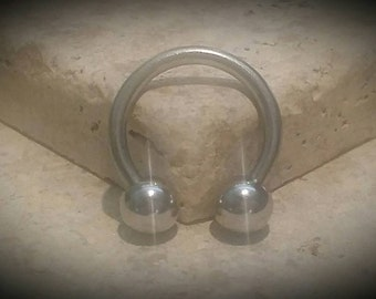 "14g 1/2"" Horseshoe Circular Barbell, Horse Shoe, High Quality, Fits Septum, Nipples, Lips, Ear Lobes,"
