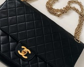 Vintage Chanel CC Turnlock Black Quilted Leather Medium Classic Double Flap Chain Shoulder Bag