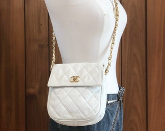 6718de2697d5 Vintage 90s CHANEL CC Turnlock White Quilted Leather 2 Way Gold Chain  Crossbody FANNY Waist Bum Belt Bag Pouch Purse Pack