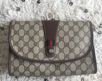 1a87b6f59f6d Vintage GUCCI GG Large Supreme Webbing Brown Monogram Logo Coated Canvas  Envelope Clutch Evening Bag Purse