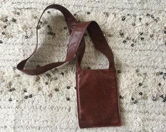 Vintage CHANEL Logo Crossbody Brown Leather Crossbody Bag Purse Shoulber handbag Clutch