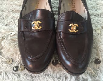 6c3aff6b954 Vintage CHANEL CC TURNLOCK Logo Brown Leather Loafers Flats Driving Shoes  Smoking Slippers Ballet Flats eu 37 us 6 - 6.5