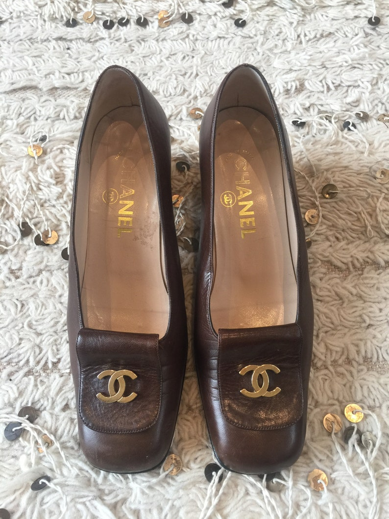 b8381ce7 Vintage CHANEL CC Metal Logo Brown Leather Loafers Heels Driving Shoes  Smoking Slippers Ballet Flats 37.5 us 7 - 7.5