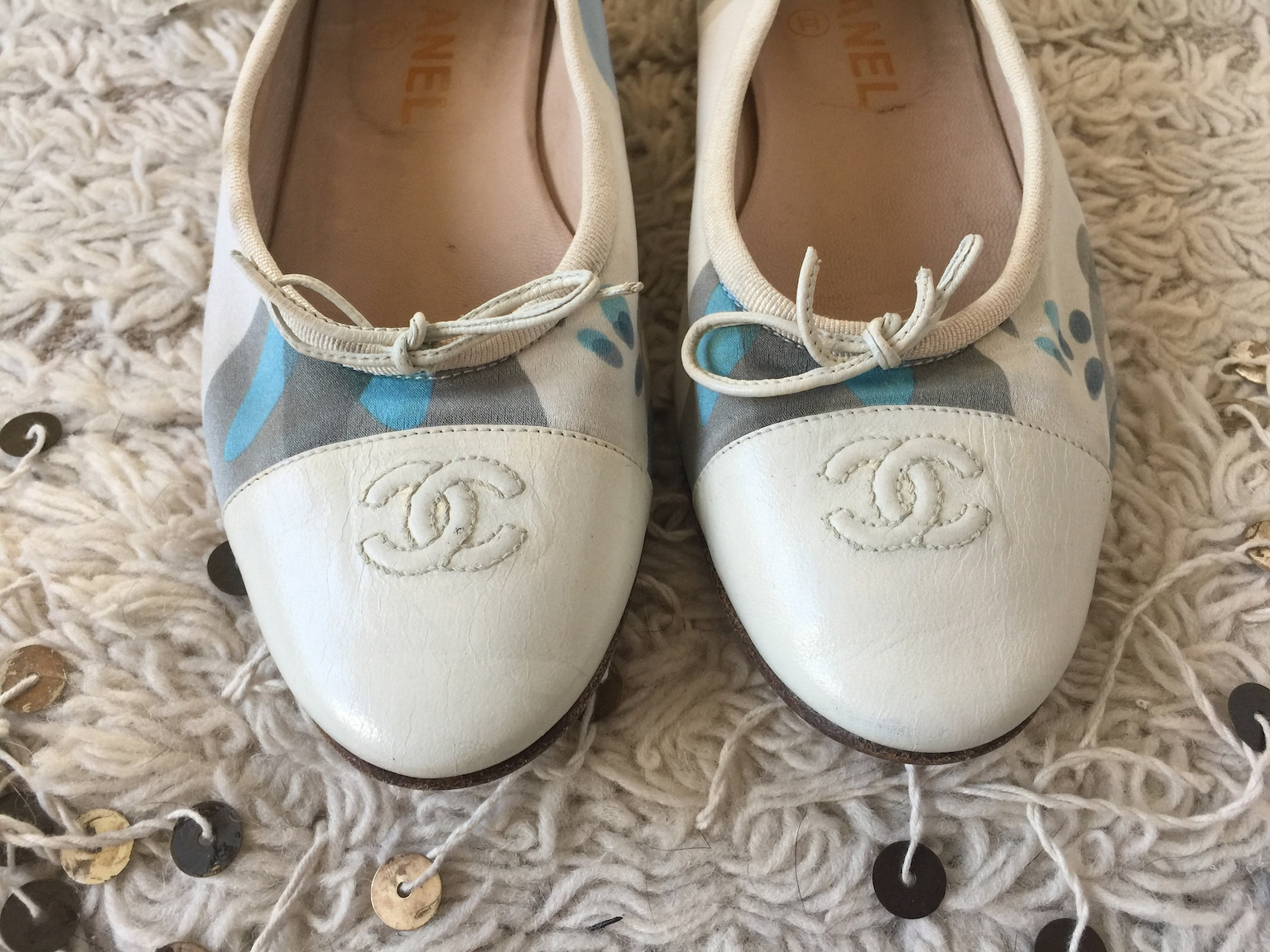 vintage chanel monogram cc logos script retro print & white leather cap toe ballet flats sandals slides slip on shoes eu 39 us 7