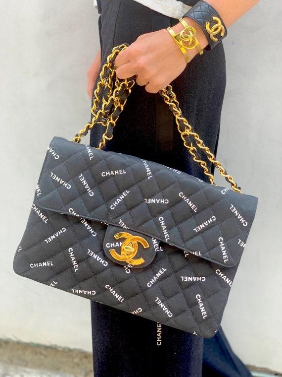 359864557710d Vintage 90's CHANEL Jumbo Maxi CC Logos Monogram Black White Fabric  Turnlock Crossbody Shoulder Bag Purse Gold Chain Strap