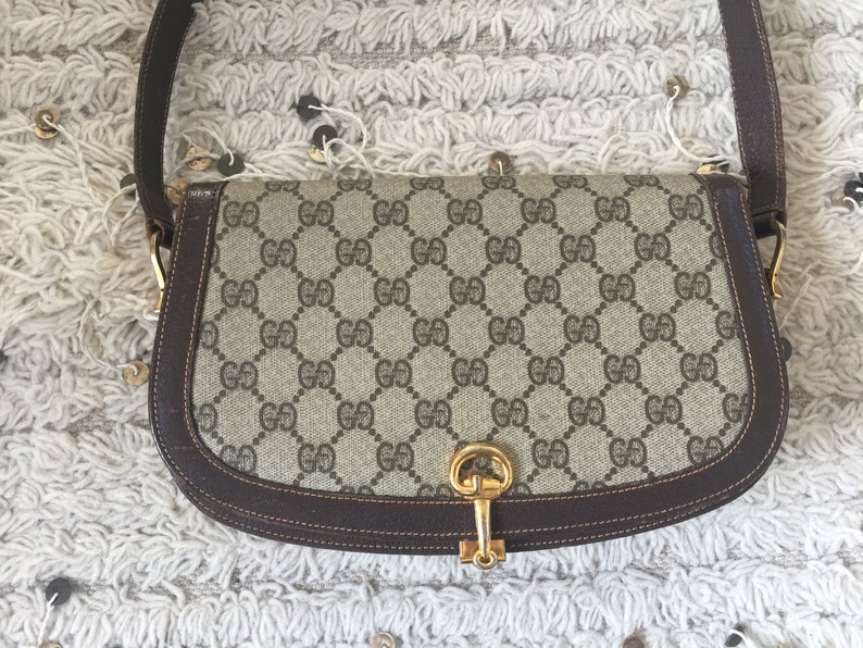 6dae484c465635 Vintage GUCCI GG MONOGRAM Horsebit Brown Beige Saddle Bag | Etsy