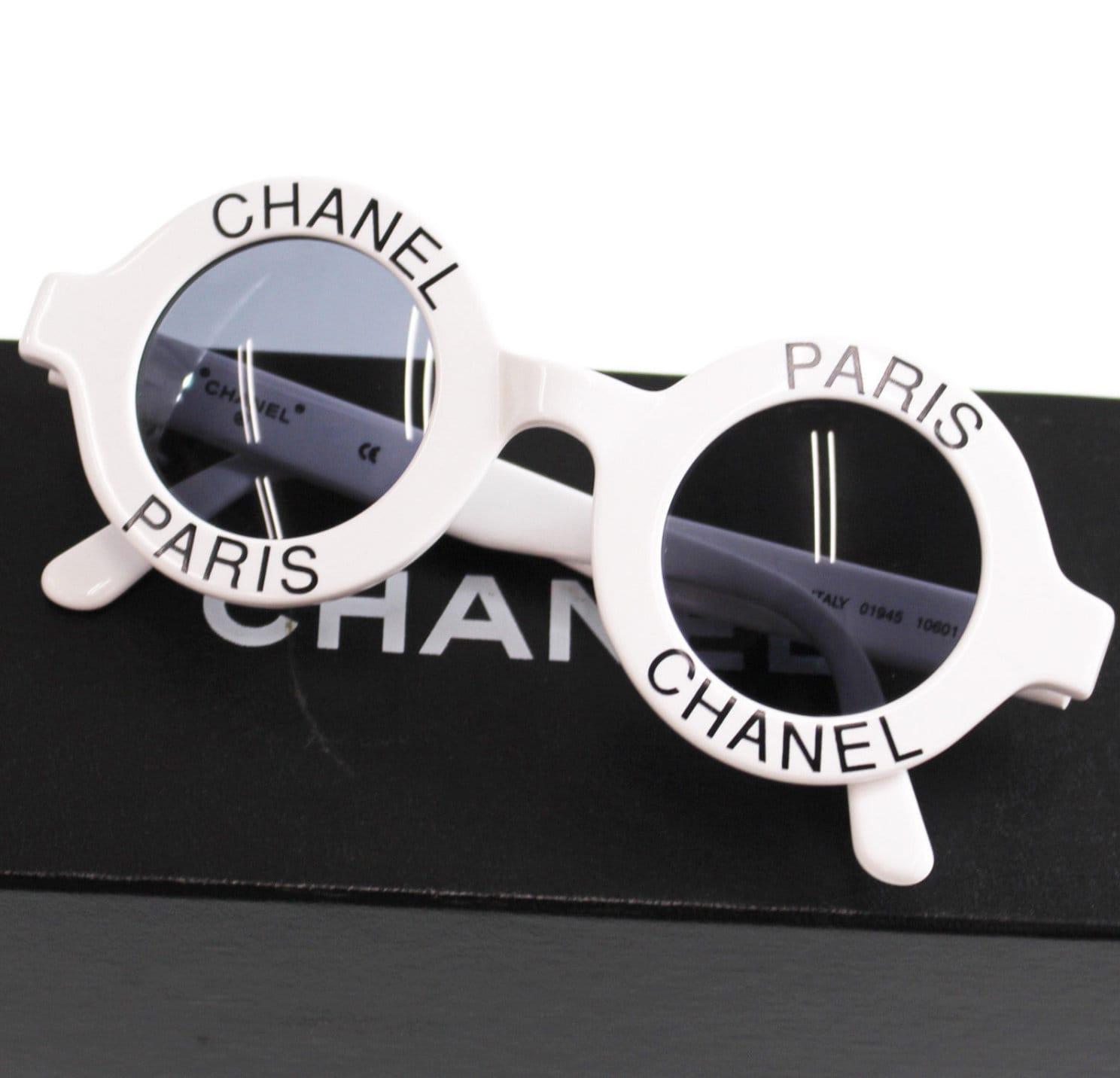079ed9ae47c Vintage Iconic CHANEL PARIS Logo 01945   1990 s Frames