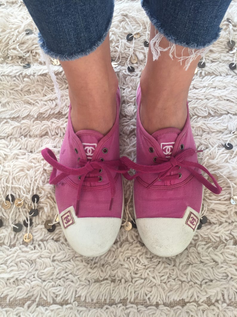 0d9eeb10c Vintage CHANEL CC Logos Fuchsia Pink Fabric Sneakers Trainers
