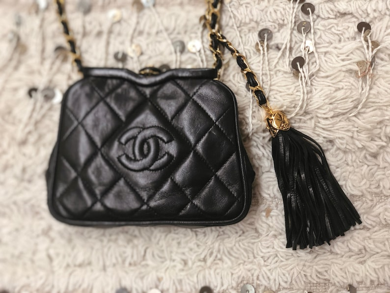 13eb7f8d880f Vintage 90s CHANEL CC Black Quilted Leather Gold Chain FANNY