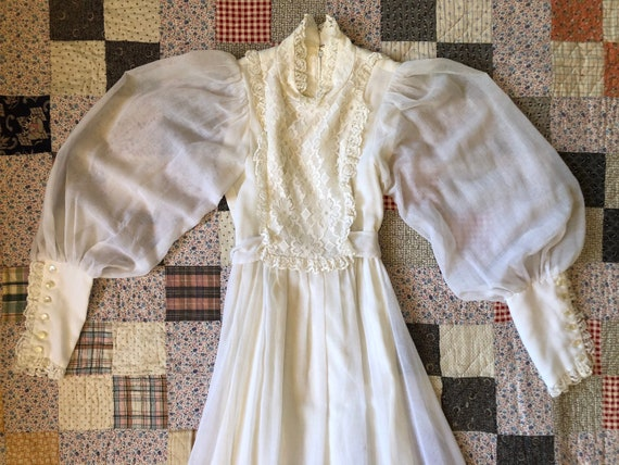 Vintage 1970s Candi Jones of California White Lace