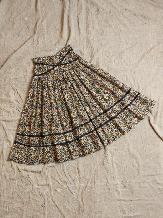 Vintage 1970s Prairie Floral Black Ribbon Trim Cot