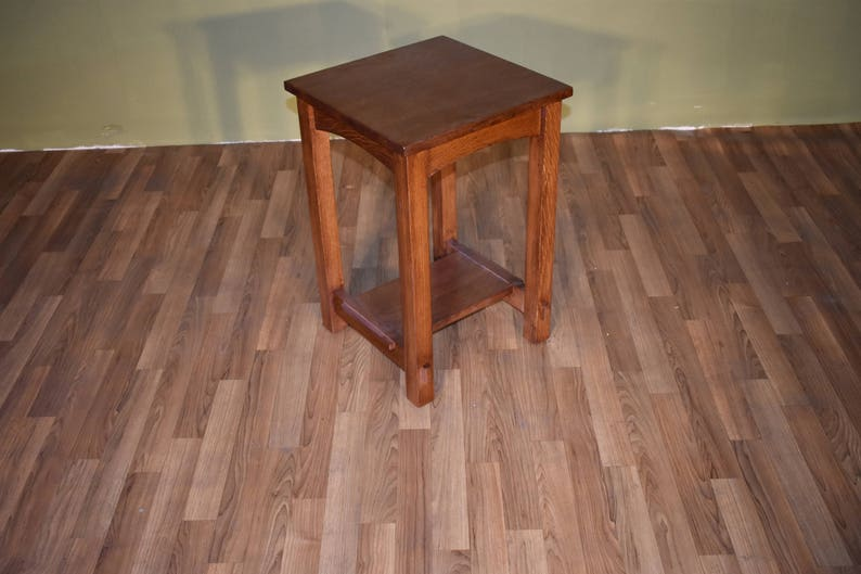 Mission Style Solid Oak End Table / Side Table