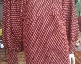 Two-tone tuniqur tuniqur woman, puffed sleeve top