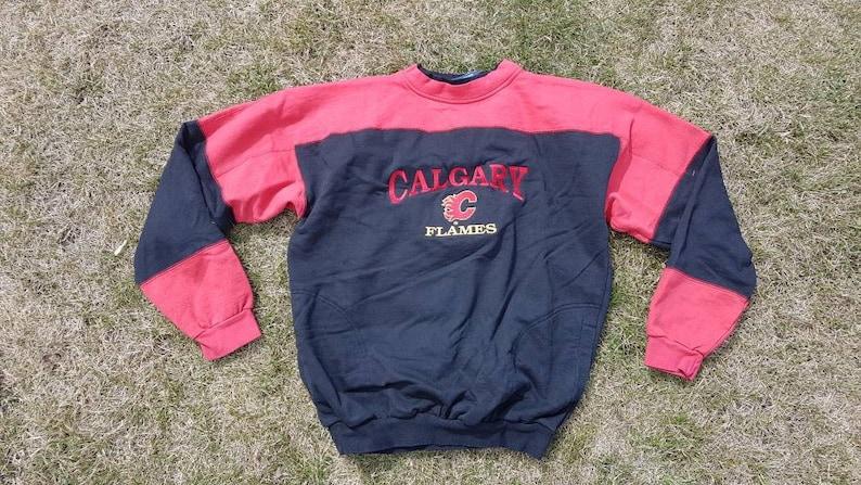 best sneakers 80968 8e4a8 Calgary Flames Sweatshirt, Flames Sweatshirt, NHL Sweatshirt, Vintage NHL  Sweatshirt, Vintage Sweatshirt, Size L
