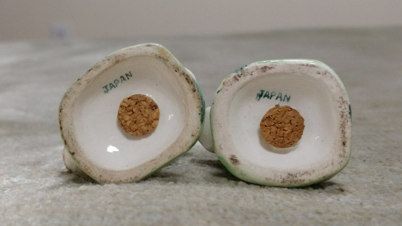 Beautiful Matching Duck Salt and Pepper Shakers marked Japan with original corks