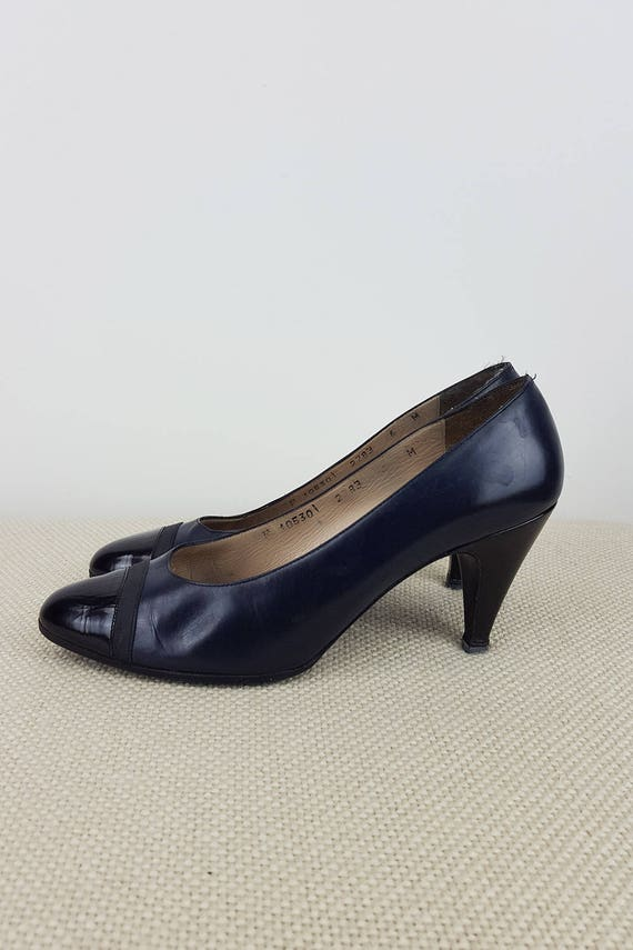 VINTAGE SALVATORE FERRAGAMO Blue and Black Leather