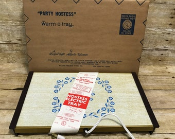 Vintage Warm-O-Tray New in Box 11 x 16 inch Party Hostess Warming Tray Blue White Floral by Atlantic Giftwares