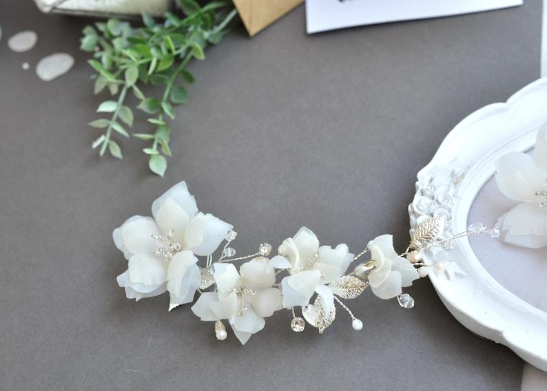 White floral hair piece flower comb wedding hair vine white ivory boho headpiece beach wedding jewelry
