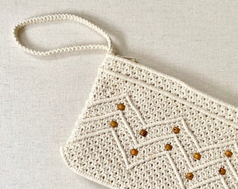 f3a491d2a18 White Macrame Wristlet Clutch Purse Bag Vintage 60s Made in Peoples  Republic of China Wood Bead Tassel Zip Closure
