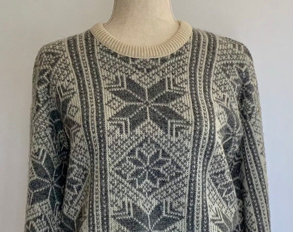 Wool Snowflake Knit Sweater Vintage 70s Traverse Bay Woolens Cream Grey Made in USA Women's S M