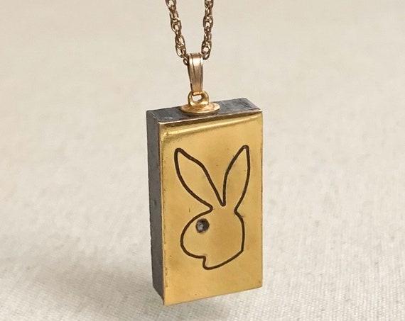 Rare Playboy Locket Pendant Poison Necklace Vintage 70s 80s Gold Tone Playboy Club Bunny Head Secret Compartment Jewelry Memorabilia