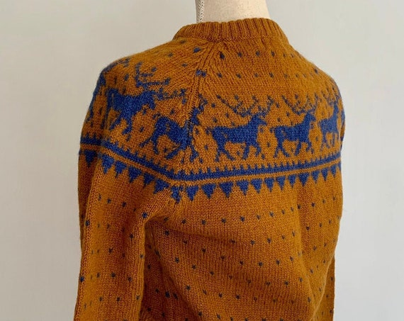 70s Shetland Wool Sweater Vintage Brown Blue Reindeer Holiday Winter Sweaters Women's Size XS S