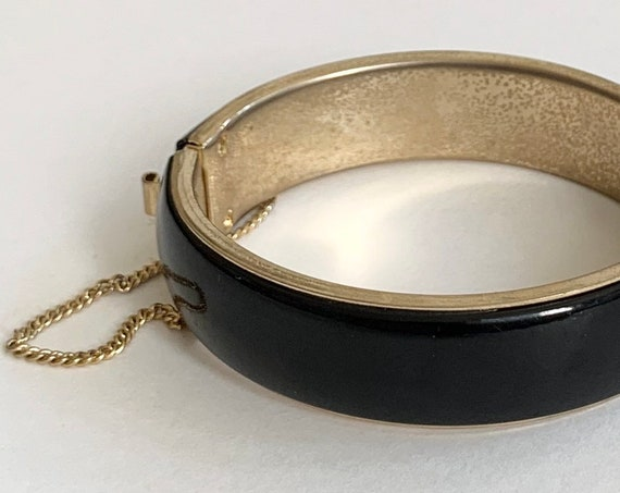 80s Gold Tone Bangle Bracelet with Safety Chain Black Enamel Minimalist Style