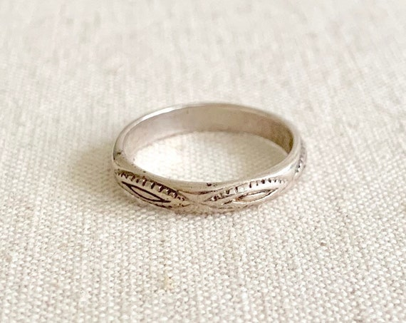 Southwest Stamped Sterling Band Ring Vintage Western Sterling Silver Stackable Infinity Band Size 7.25
