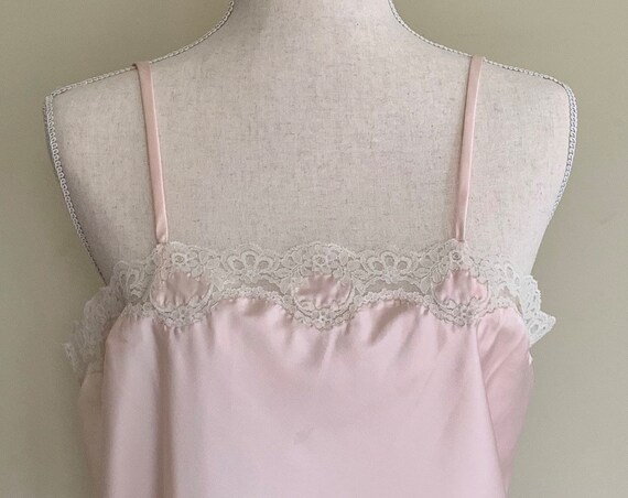 Dusty Pink Camisole Top Nightie Vintage 60s Corhan Noumair for Montaldos Spaghetti Straps Ivory Lace Size S