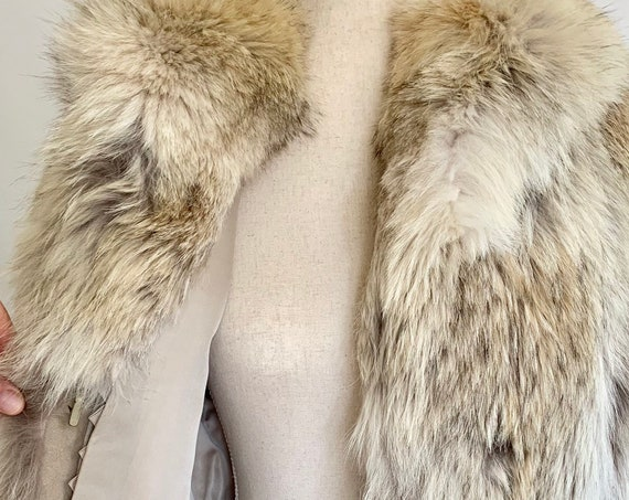 Luxurious Coyote Fur Coat Vintage Freeman Furs Women's Winter Jacket Beige Brown Fur Aspen Apres Ski Size S
