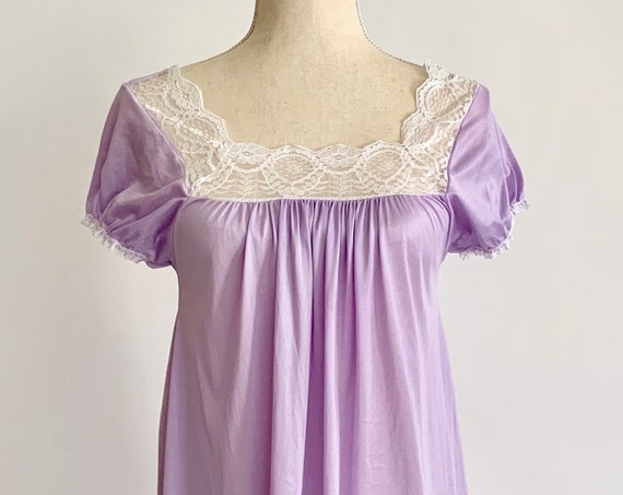 Lavender Lace Babydoll Nightie Soft Nylon White Lace Trim Vintage 70s Made in USA Size XS S