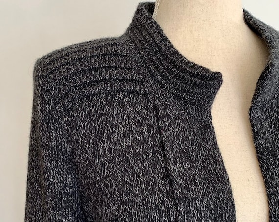 Soft Alpaca Sweater Jacket Vintage Made in Peru Charcoal Gray Knit Ribbed Shoulders Open Front Collarless Cardigan Size S M