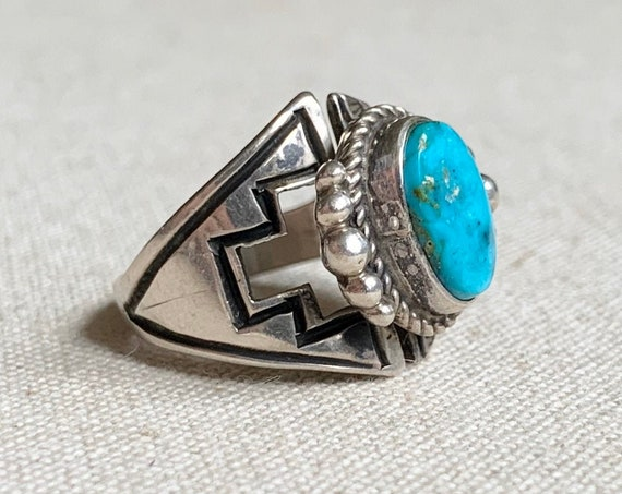 Navajo Modernist Turquoise Ring Cut Out Detail Vintage Native American Sterling Silver Artist Signed LP Size 7