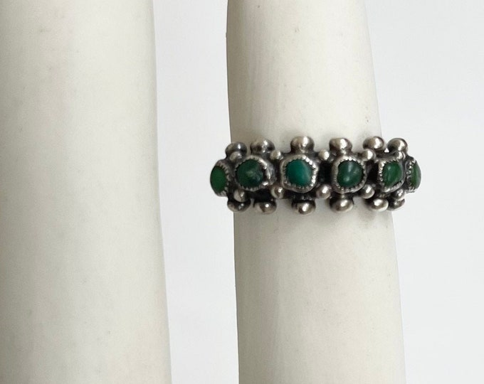 Snake Eye Turquoise Ring Band Vintage Rustic Antique Native American Zuni Sterling Silver Petit Point Green Turquoise Stackable Size 5.5