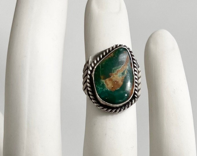 50s Navajo Turquoise Ring Vintage Native American Sterling Silver Asymmetrical Green Turquoise Stone Solidly Crafted Size 7.5