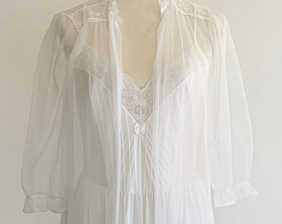 Airy White Bridal Nightgown Peignoir Two Piece Set Vintage 60s Gilead Sheer Lightweight Lace Trim Size S