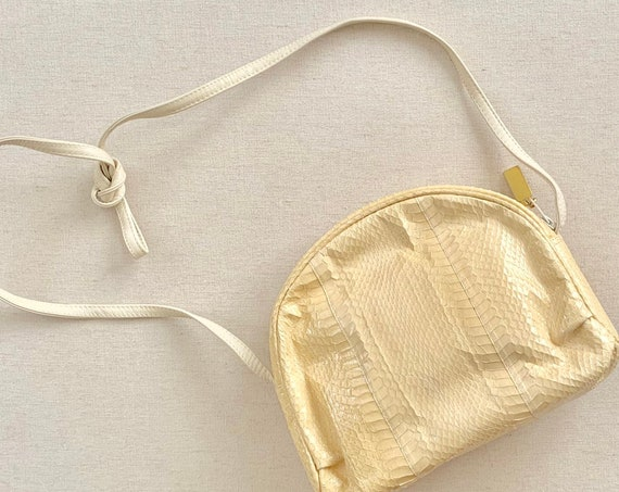 Creamy White Snakeskin Purse Saks Fifth Avenue Vintage Made in Hong Kong Gold Tone Hardware Shoulder Bag