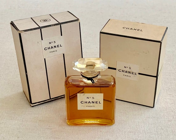 Chanel No 5 Perfume with Rare Original Box Packaging Vintage Old Full Glass Bottle Made in France Extrait TPM No 200 Black White